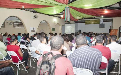Mais de 140 pessoas estiveram presentes no seminário