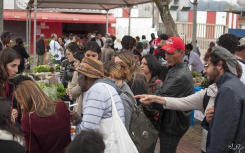 A praça Nossa Senhora da Guia, em Eldorado, foi o palco da sexta edição da feira de trocas