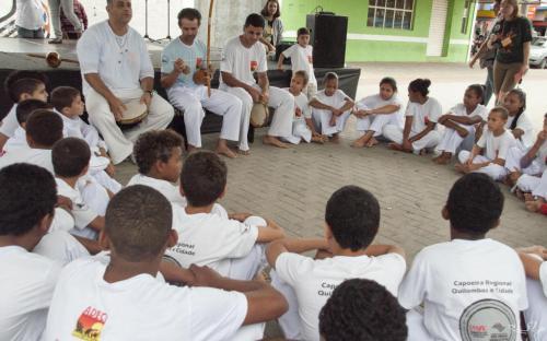 Alunos da Adecc se apresentaram em roda de capoeira
